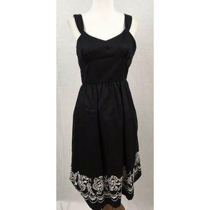 Ann Taylor Loft  Sleeveless Dress Embroidered